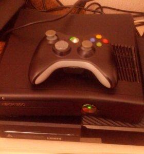 Xbox 360 slim.