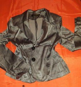 Легкий женственный стильный пиджак.