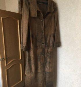 Пальто кожаноe