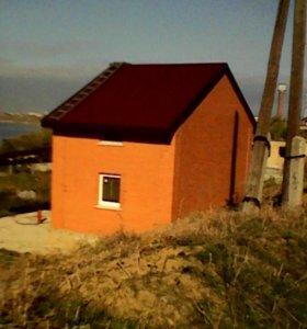 Земельный участок с недостроиным домом