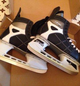 Коньки хоккейные CCM 92 размер 47