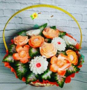 Подарочная корзина мыльных цветов