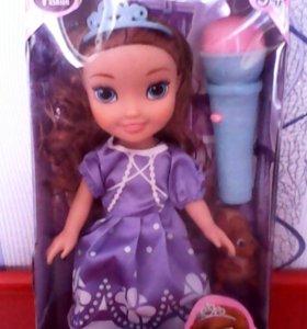Принцесса София с микрофоном.Новая