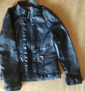 Демисезонная куртка 128-140рр.
