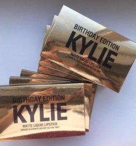 Набор из 6 матовых помад Kylie