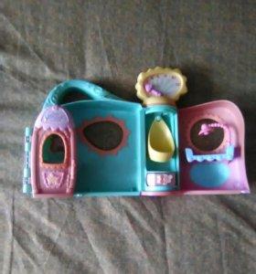Игрушка Кукольный домик в идеальном состоянии