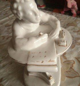 Статуя фарфоровая юный Пушкин