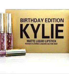 Набор матовых жидких губных помад Kylie Birthday E