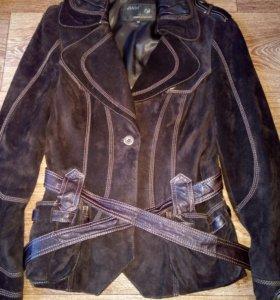 Куртка - ветровка 46 размера