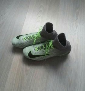 Бутсы футбольные Nike Mercurial