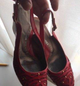 Кожаные туфли 36
