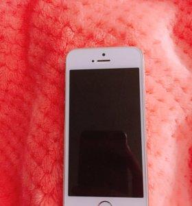Б/у айфон 5 s,на запчасти,плата полетела
