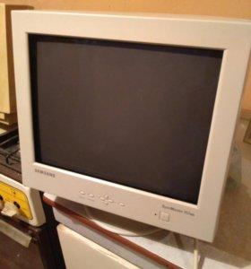 Монитор компьютерный для офиса