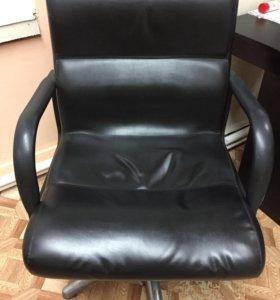 Продам кресло парекмахерское