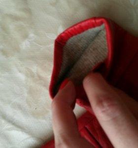 Перчатки осень-весна, красные
