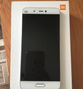 Xiaomi Mi5 3/32gb белый