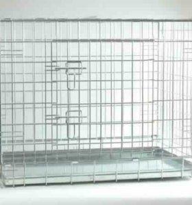 Металлическая клетка для транспортировки животных.