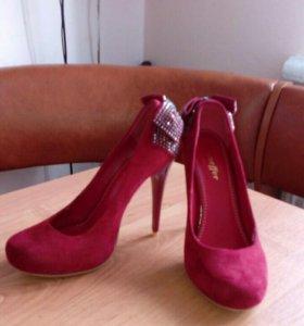 Новые туфли 37 р-р