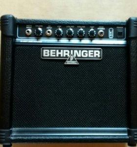 Behringer BT108 Ultrabass басовый усилитель комбо
