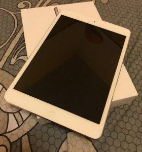 iPad mini 32GB (Wi-Fi Cellular)