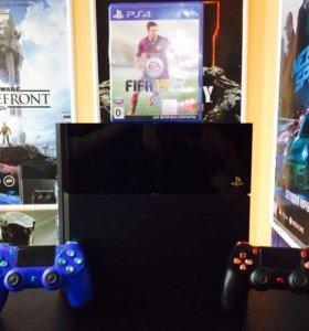 PS4 500 ГБ + 2 геймпада + FIFA 15