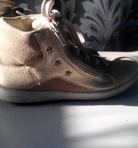 Ботинки для девочки б/у ECCO