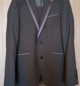 Мужской костюм 46-48 размер