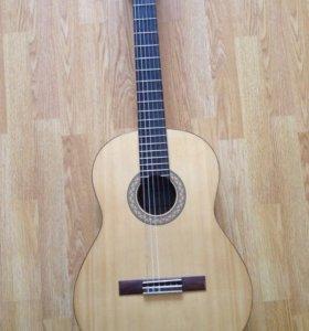 Гитара Yamaha c40m