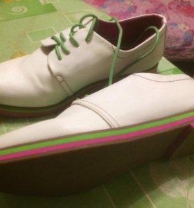 Ботинки женские,новые