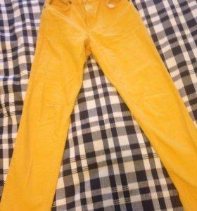 Продам джинсы на 146