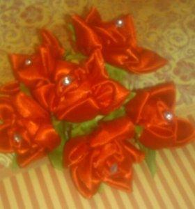 Букетик из тканевых цветов со стразами
