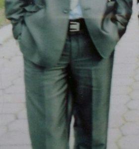 Мужской костюм. Галстук с рубашкой в подарок