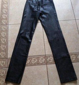 Кожаные штаны 26р