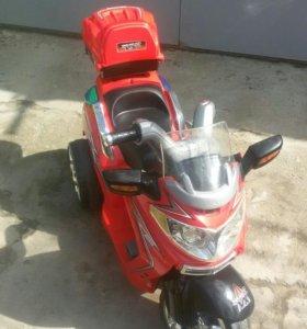 Детский аккумуляторный автомобиль