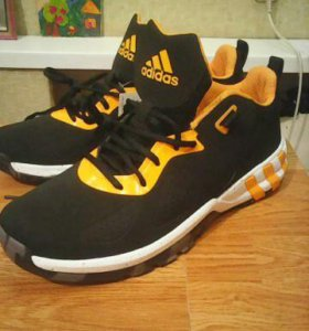 Оригинальные кроссовки Adidas