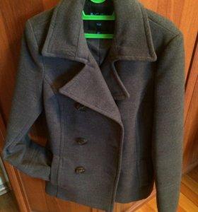 Полупальто-пиджак 40-42 р-р
