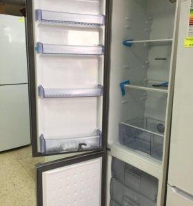 холодильник Beko серебристый