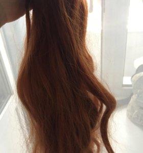 Набор волос на заколках.
