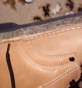 Продам женские зимние ботинки унты.