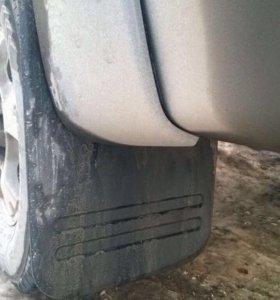 Брызговик на Toyota Hilux