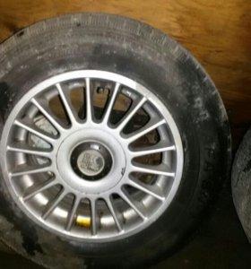 R-14. 4 колеса на литье.