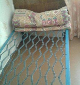 Кровать на пружине
