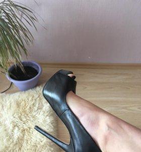 Новые кожаные туфли Top Shop