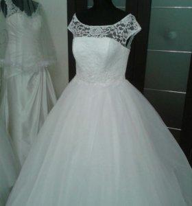 Новое свадебные платье