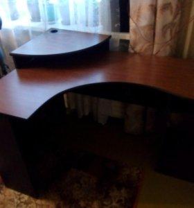 Компьютепный стол