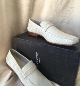 Туфли новые итальянские настоящие Givenchy белые