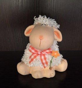 Статуэтка, фигурка овечка