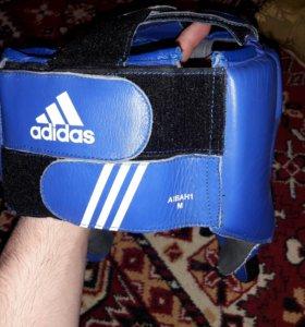 Продаю шлем и перчатки от фирмы ADIDAS торг имеет