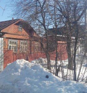Продам частный дом в центре города.