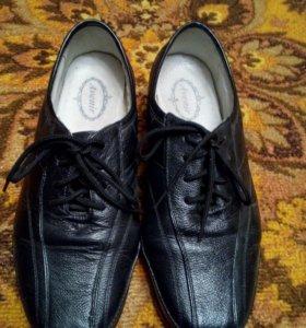 Продам весенне-осенние ботинки